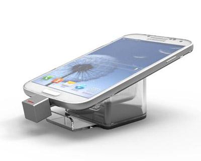 Акриловые подставки для смартфонов с кабелем подзарядки и связью с блоком управления.